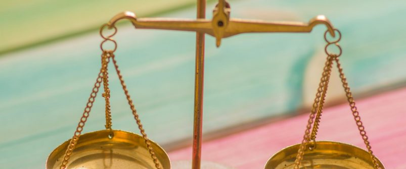 Адміністративна відповідальність для топ-посадовців за брехню в деклараціях також не діє: наслідки рішення КСУ