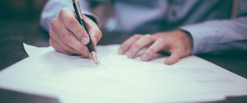 НАЗК запрошує екс-начальника відділу Генпрокуратури та суддю КСУ у відставці для надання пояснень