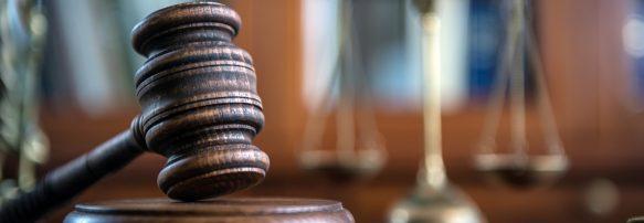 Суд переніс розгляд справ щодо суддів КСУ Ігоря Сліденка та Ірини Завгородньої. Судді КСУ не з'явилися на засідання