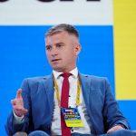 Держава повинна не боротися з олігархами, а створити єдині правила для всіх, що позбавить фінансово-промислові групи мотивів конкурувати за вплив на владу – Олександр Новіков під час форуму Україна 30